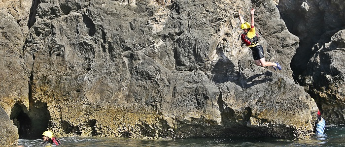Coasteering: Enjoy the summer in Musandam