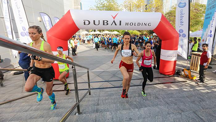 Going the Vertical Limit: 2016 Dubai Holding Skyrun