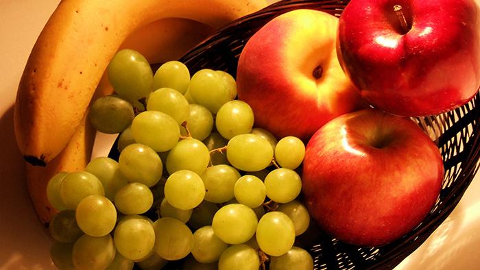 fruit-in-basket-1324317