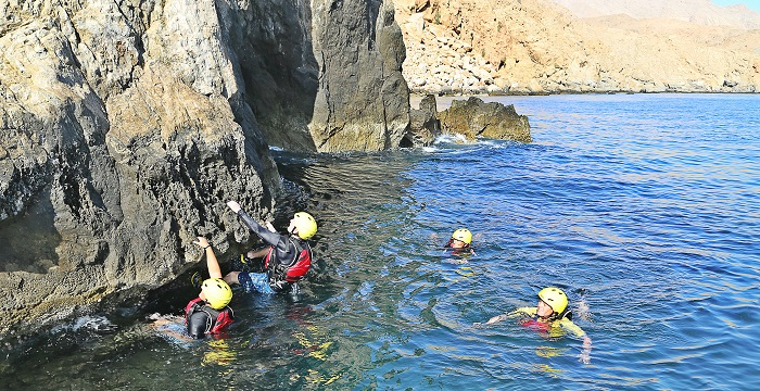 article_coasteering_02