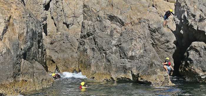 article_coasteering_04
