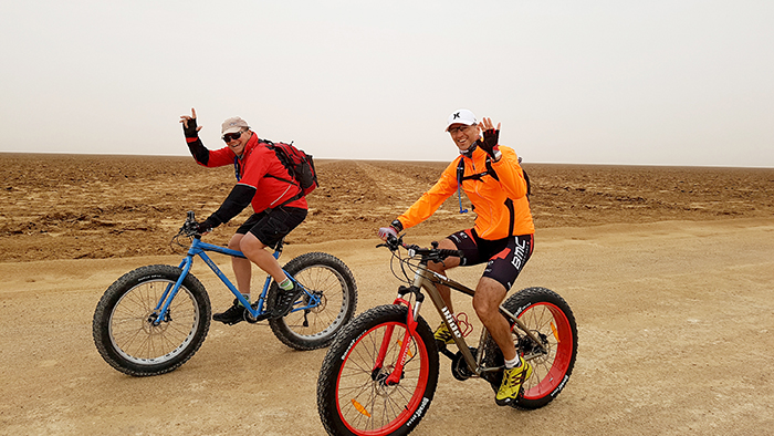 Fatbiking in the Rub Al Khali, Oman
