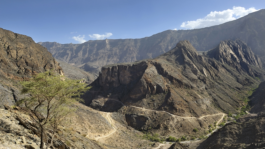 Al-Hajar-Mountains-Oman-Paul-Robida-Jabal-Shams