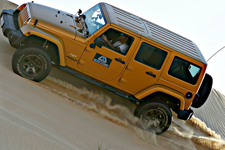 Offroaders-Corner-Explore-Outdoors-Let'sDrive-4x4-offroad-desert-drive-Jeep-Wrangler-Sahara