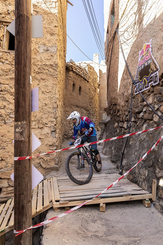 Narrow lanes wound through historic Misfaat-al-Abriyeen