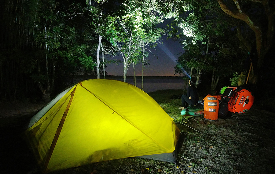 At last a good camp to compensate for the sleepless nights on unstable SUP boards floating in fetid mangroves full of alligators and jaguars - Márcio Bortolusso