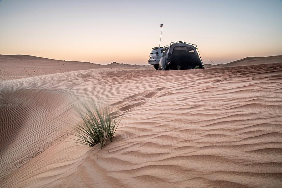 Desert camping by Robert Haandrikman